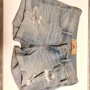 Hollister distressed light wash jean shorts size 3